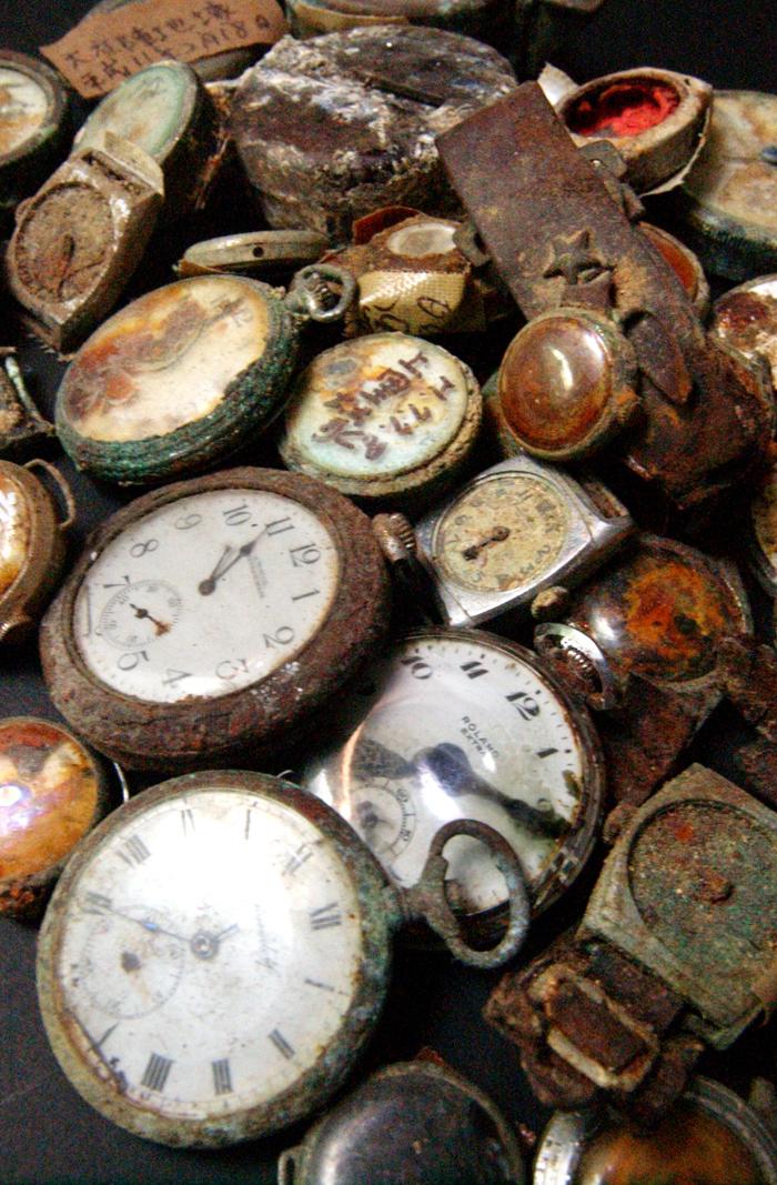 約70年前から時の刻みを止めてしまった時計