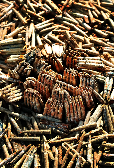 壕などから出てきた旧日本軍の銃弾。900発近くある、糸満市で