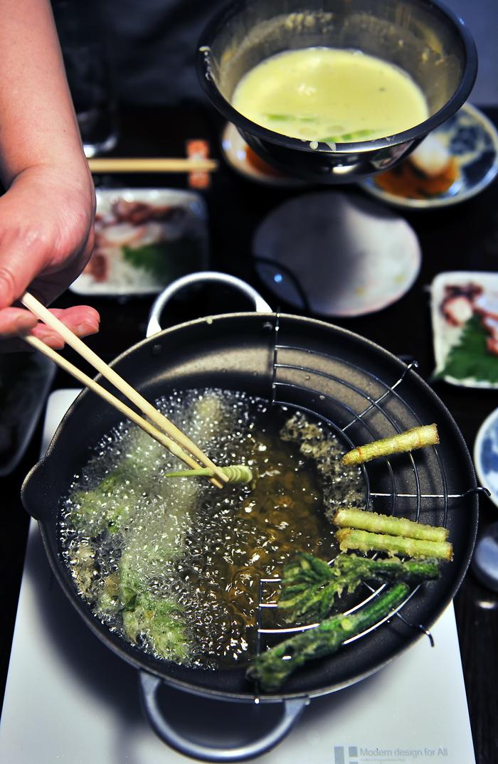 あまりの美味しさに揚がった途端に箸が伸びるので、撮影している暇がない。食べなきゃ!