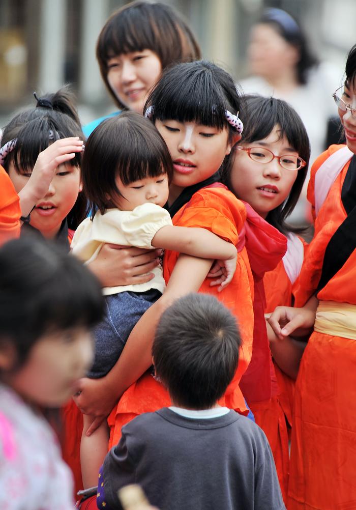 神事の時に、始めて大勢の子どもたちを見かける。仕事さえあれば、地域に残る若者も増えるのだが‥