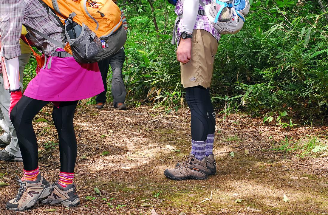 遊歩道なので、当然、人も歩きます。大丈夫?、山ガール