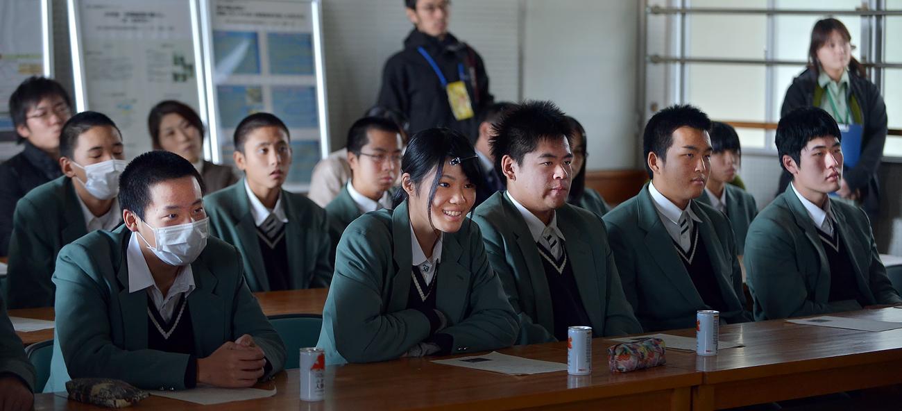 3人娘の発表を聞いてくれた屋久島高校・環境コースの生徒たち