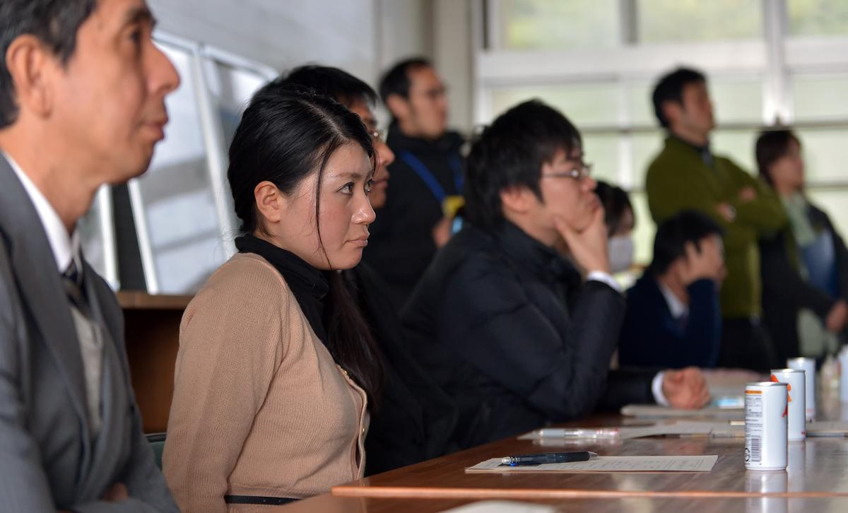 屋久島高校の教職員の皆さまも熱心に聴いて下さった
