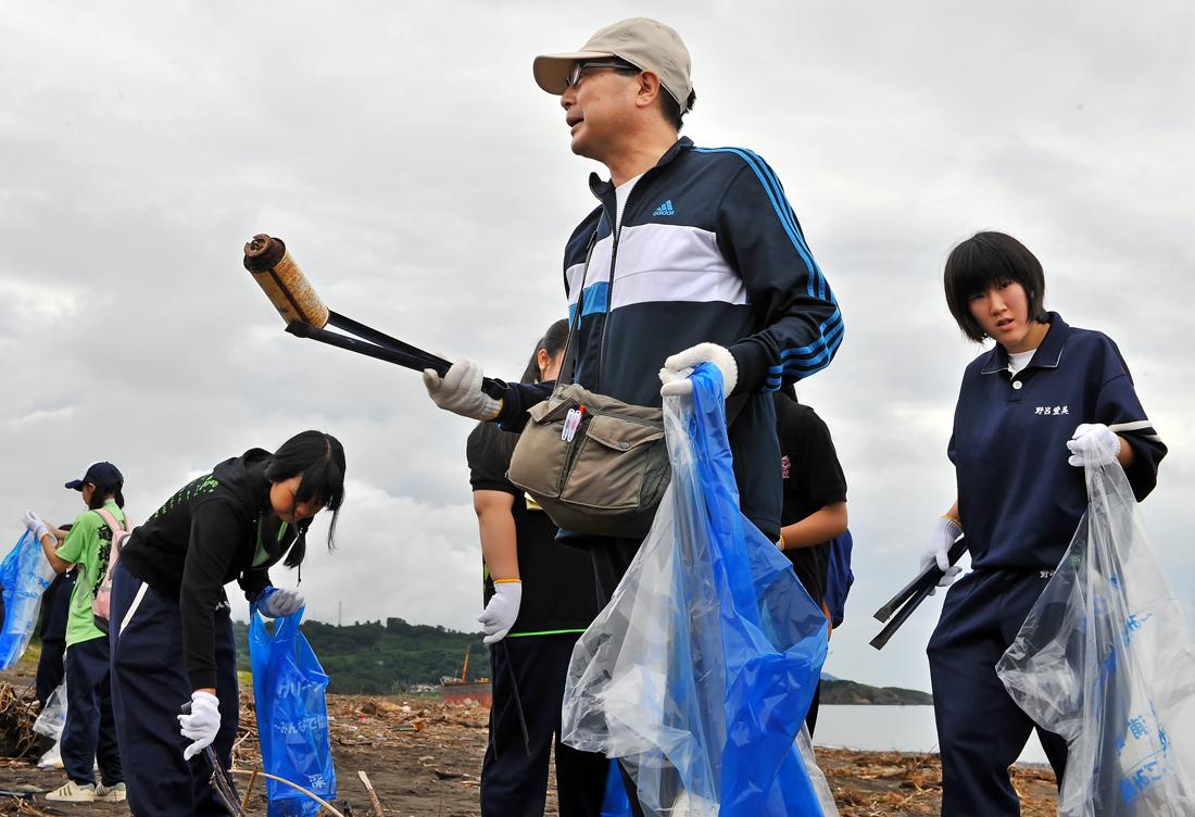 深浦校舎の吉田教頭先生(中央)も参加。熱心に生徒に寄り添って下さる