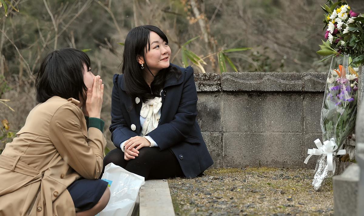 なんか去りがたい。利雄さんのお墓に語り掛ける