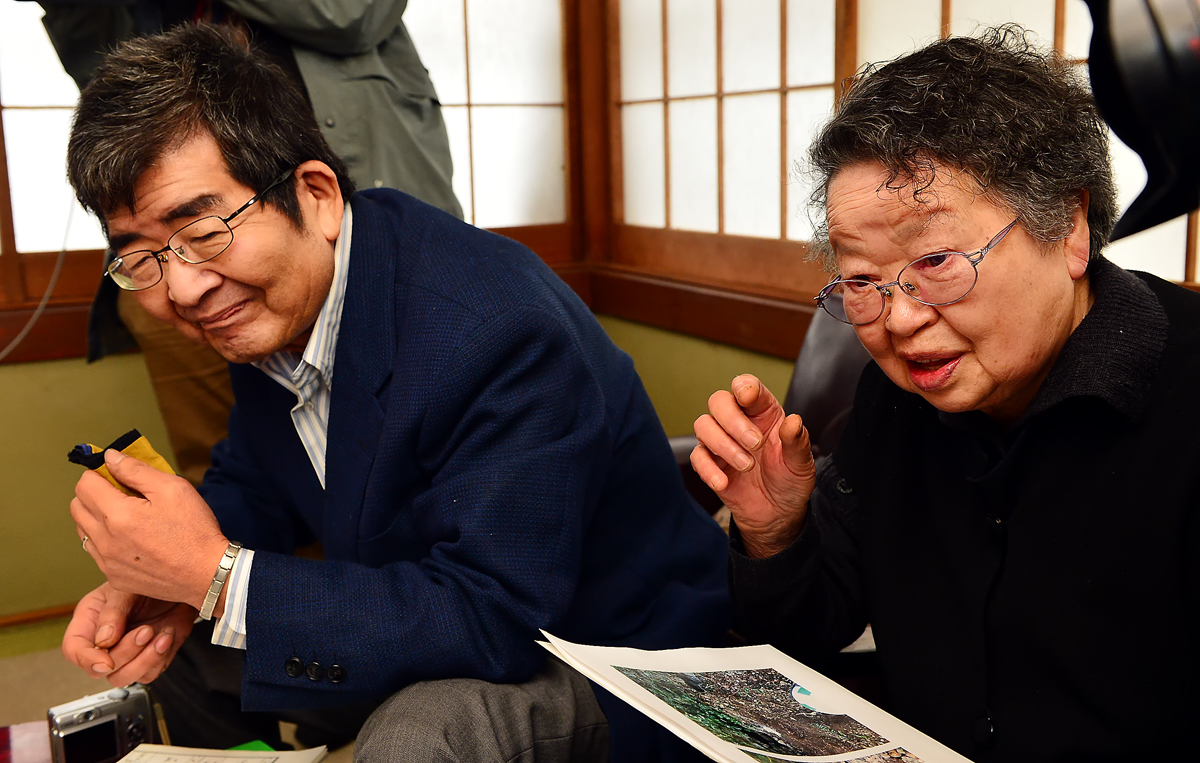 遺族の甥・信之さんと母の泰子さん